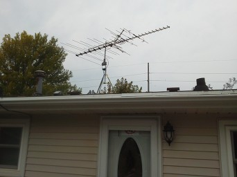Cable Antenna on a roof of a home